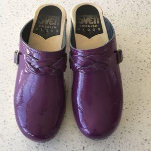 SVEN SWEDISH CLOGS purple patent size 38
